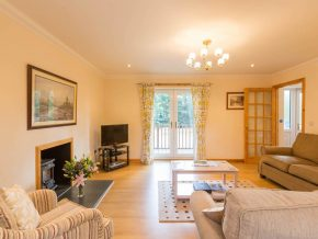 Self Catering Inverness, Living Room, Dining and Kitchen Area